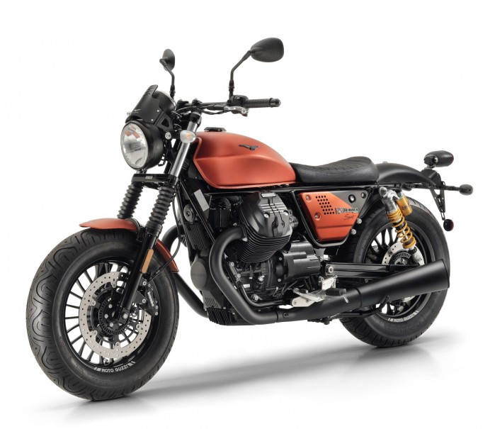 Moto Guzzi V9 Bobber sport 2