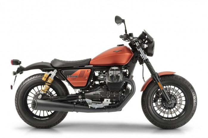 Moto Guzzi V9 Bobber sport 4
