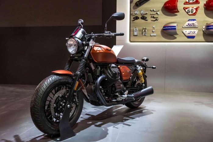 Moto Guzzi V9 Bobber sport 5