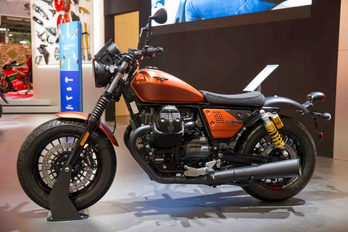 Moto Guzzi V9 Bobber sport 8