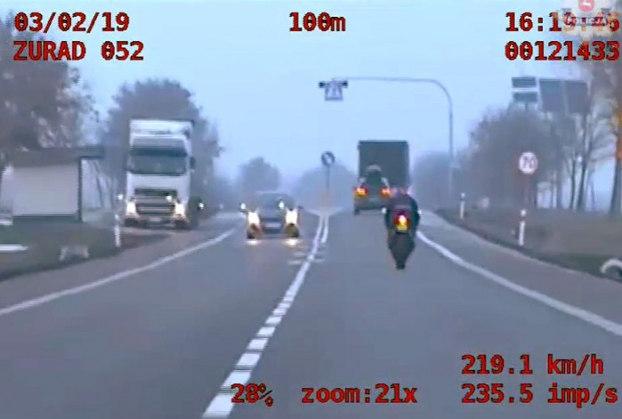 poscig za motocyklista 2019