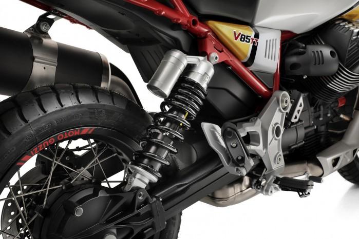 17 Moto Guzzi V85 TT