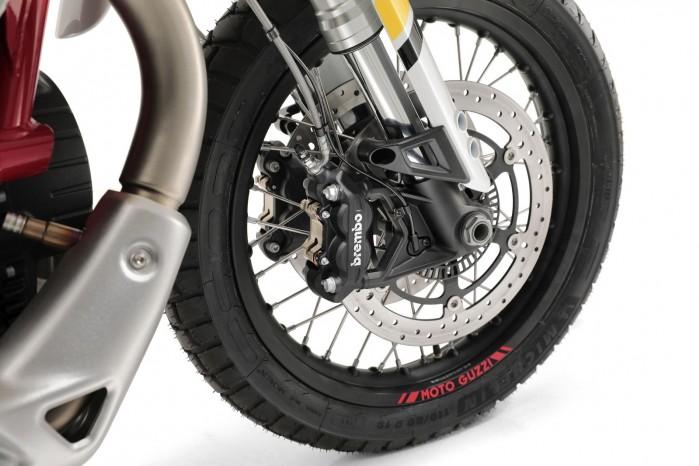 18 Moto Guzzi V85 TT