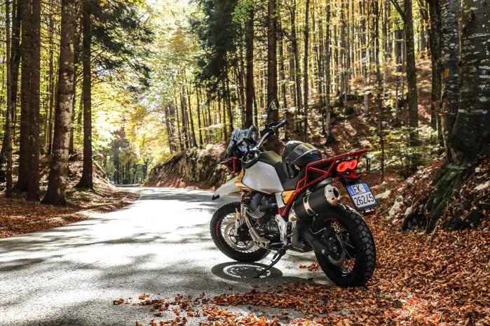 35 Moto Guzzi V85 TT