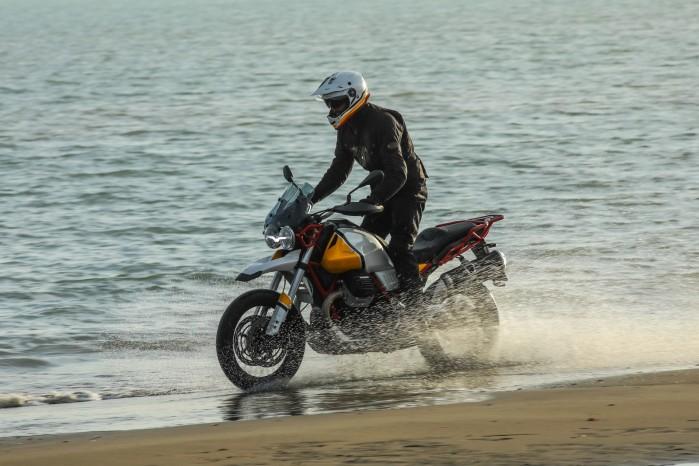 42 Moto Guzzi V85 TT