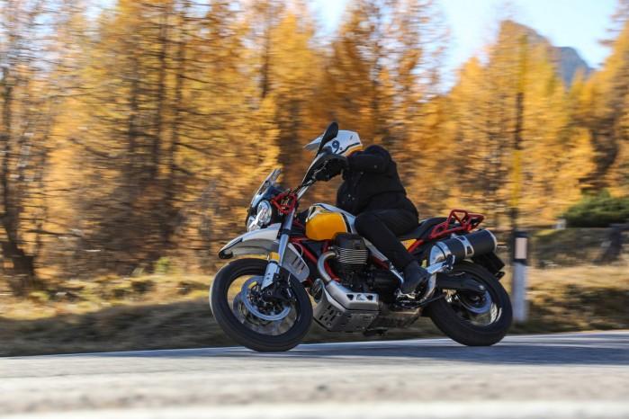 48 Moto Guzzi V85 TT