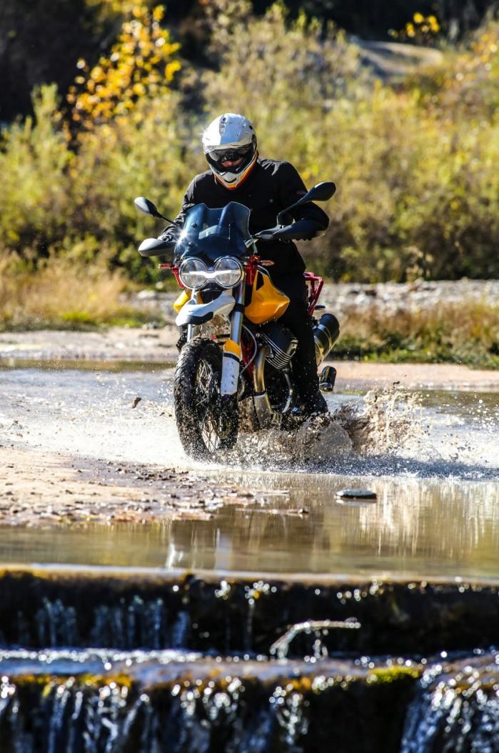 54 Moto Guzzi V85 TT