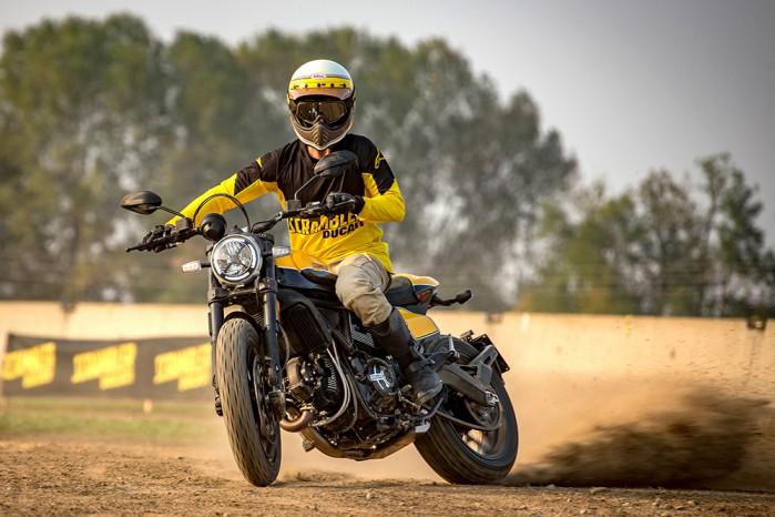 Ducati Scrambler Full Throttle ambience 04 UC67956 Low