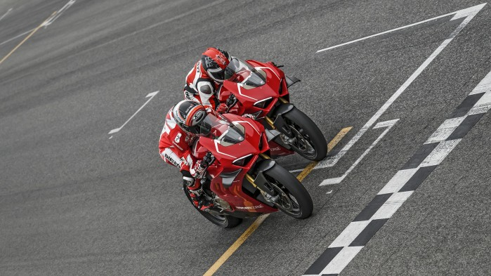 Panigale V4R Red MY19 Ambience 02 Gallery 1920x1080PanigaleV4R