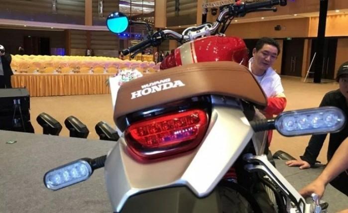 Honda CB190SS 4