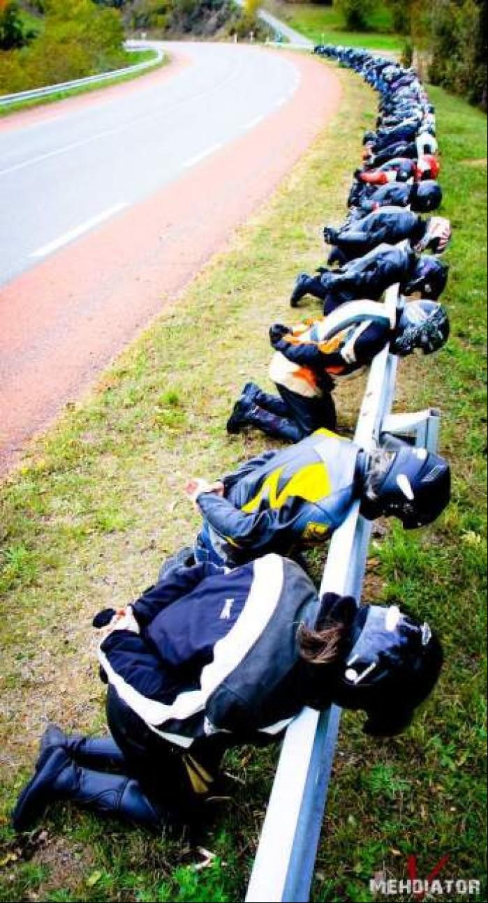bariery kontra motocyklisci
