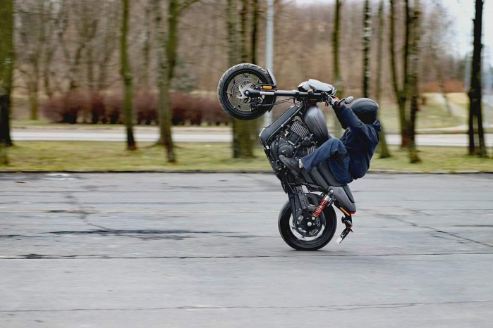 Maciej DOP Harley Davidson Stunt 11
