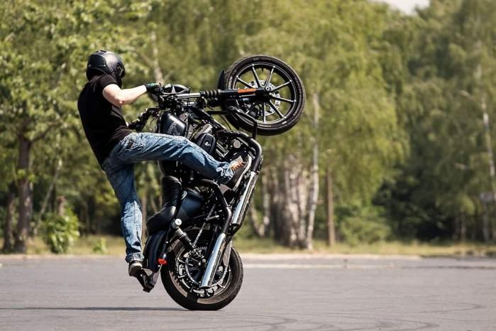 Maciej DOP Harley Davidson Stunt 18