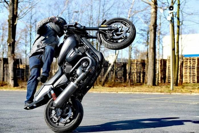 Maciej DOP Harley Davidson Stunt 31