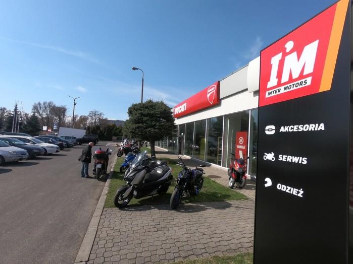Salon IM Inter Motors Warszawa Lopuszanska 01