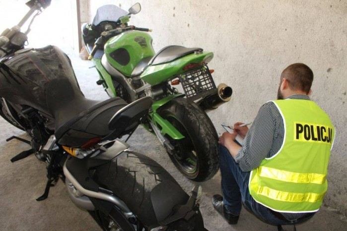 policja odnalazla motocykle
