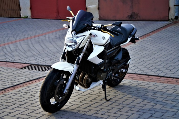 Yamaha XJ6N Custom 08