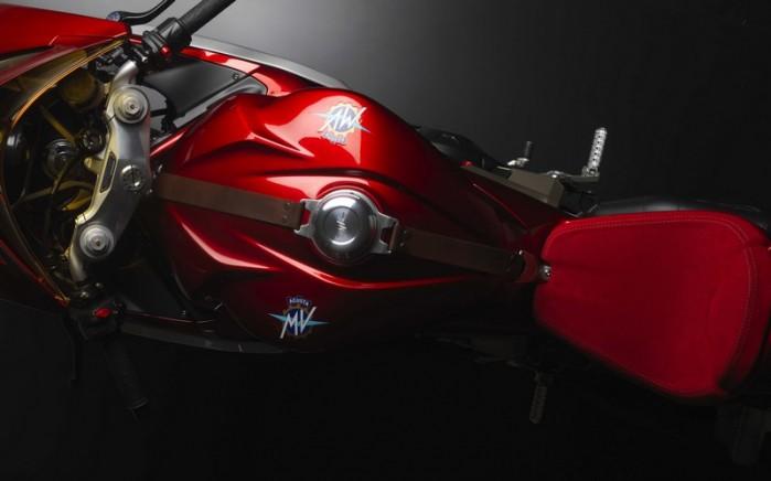 MV Agusta Superveloce 800 concept 11