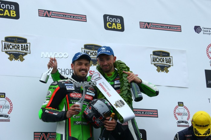 glenn irwin e james hillier sul podio superbike
