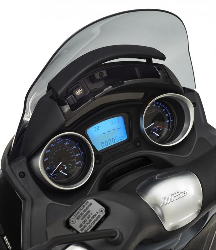 Piaggio MP3 marzo 19 USB 40004 692x800
