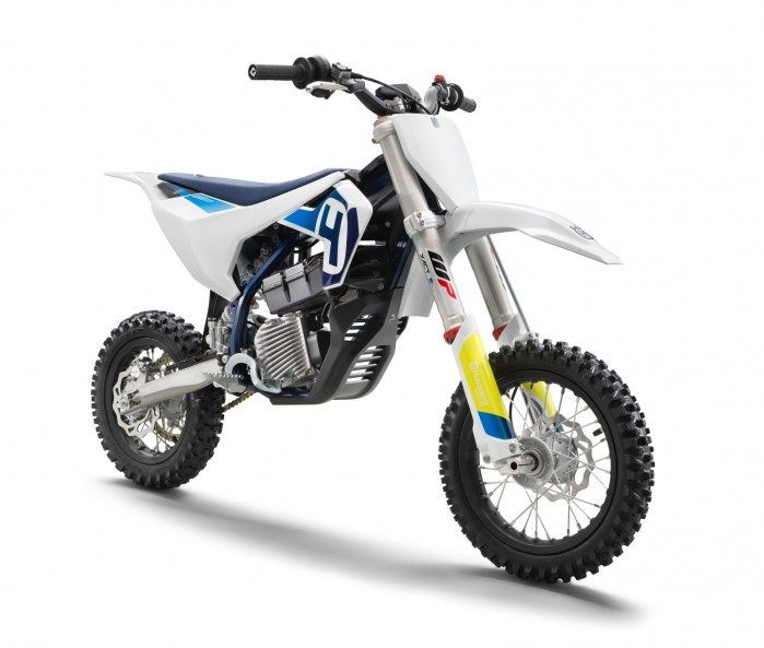 HUSQVARNA MOTORCYCLES LAUNCH FIRST EVER ELECTRIC MOTORCYCLE THE ALL NEW EE 5