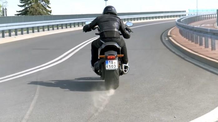 Harley Davidson FXDR 114 palenie gumy