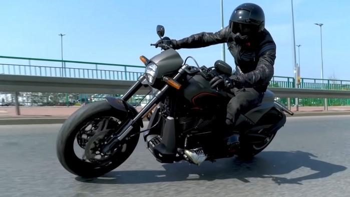 Harley Davidson FXDR 114 w akcji