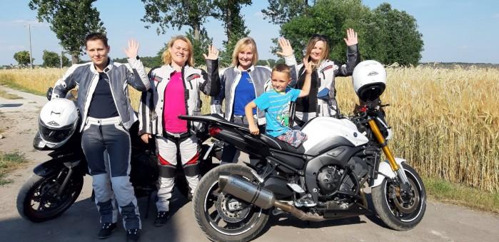 lodzkie motocyklistki kolejny raz pomagaja dzieciom 01