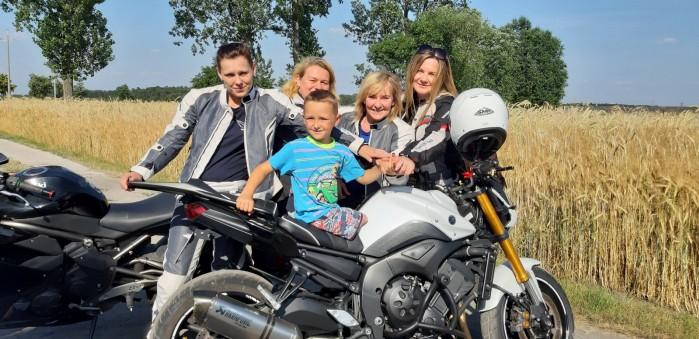 lodzkie motocyklistki kolejny raz pomagaja dzieciom 02