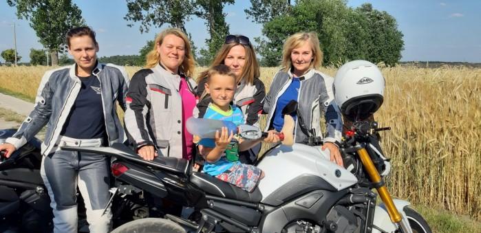 lodzkie motocyklistki kolejny raz pomagaja dzieciom 03
