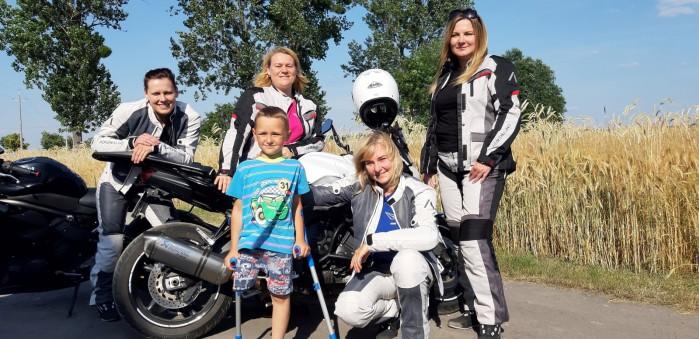 lodzkie motocyklistki kolejny raz pomagaja dzieciom 04