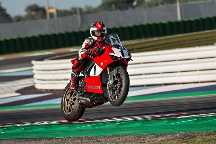 Ducati Panigale V4 25th Anniversario 916 Laguna Seca 01