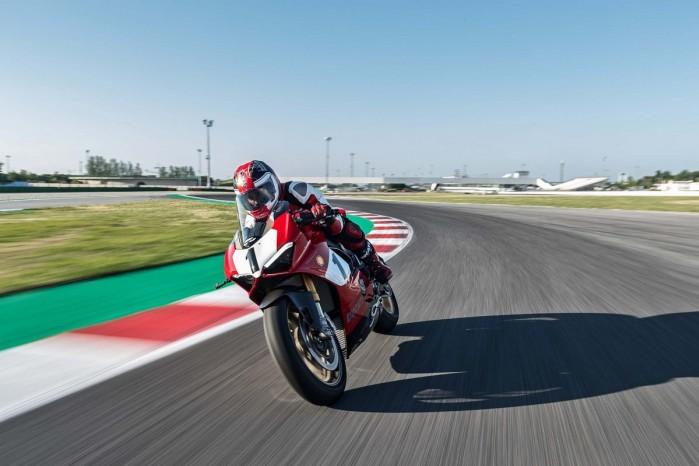 Ducati Panigale V4 25th Anniversario 916 Laguna Seca 06