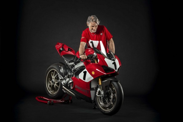 Ducati Panigale V4 25th Anniversario 916 Laguna Seca 07