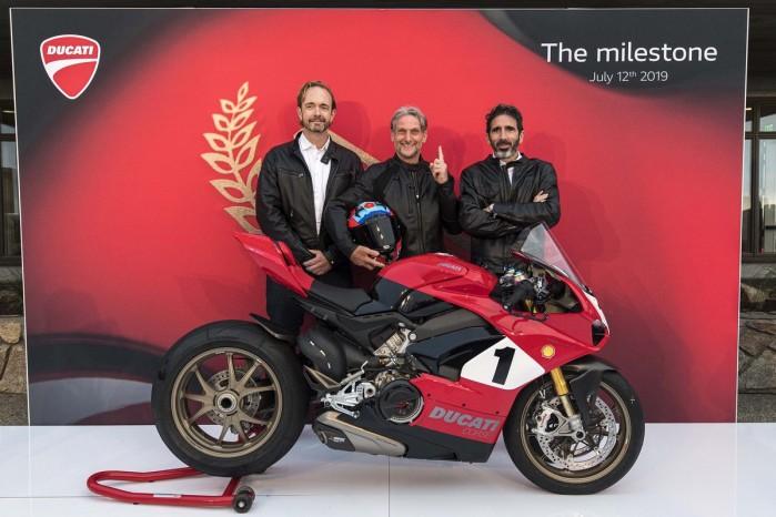 Ducati Panigale V4 25th Anniversario 916 Laguna Seca 08