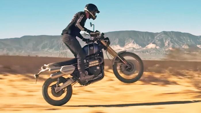 Triumph Scrambler 1200 pustynia