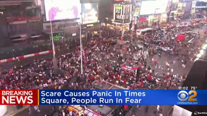 Panika na Times Square po strzale z wydechu motocykla