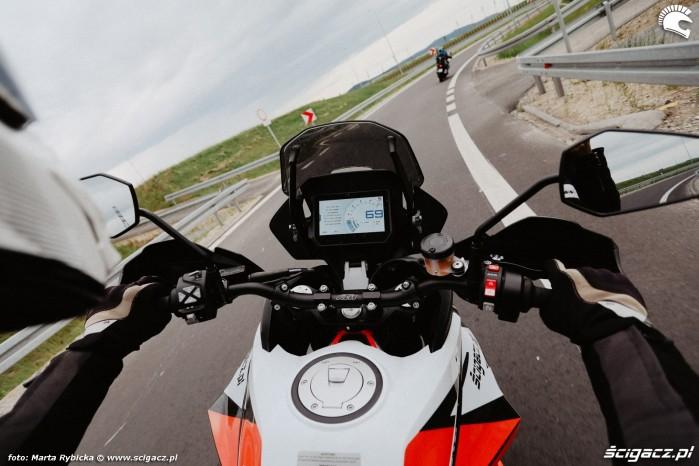 KTM 1290 Super Adventure R vs Suzuki V Strom 1000 Adventure 054