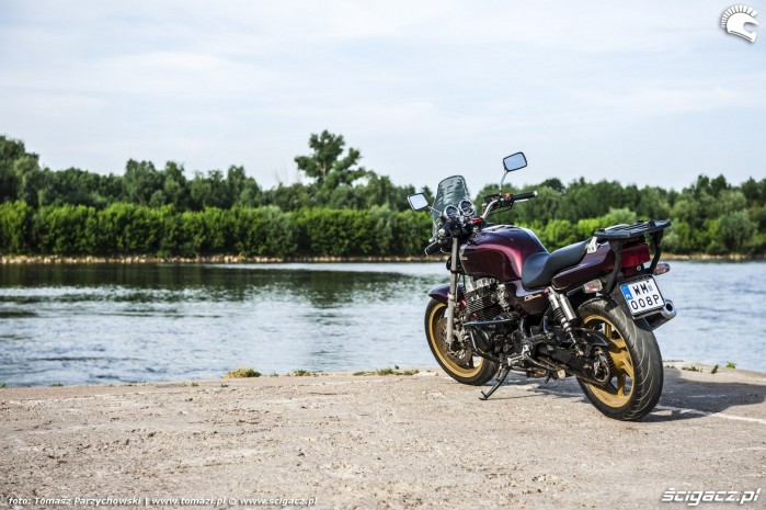 Honda CB750 Seven Fifty 01