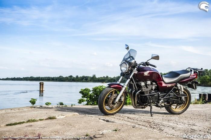 Honda CB750 Seven Fifty 03