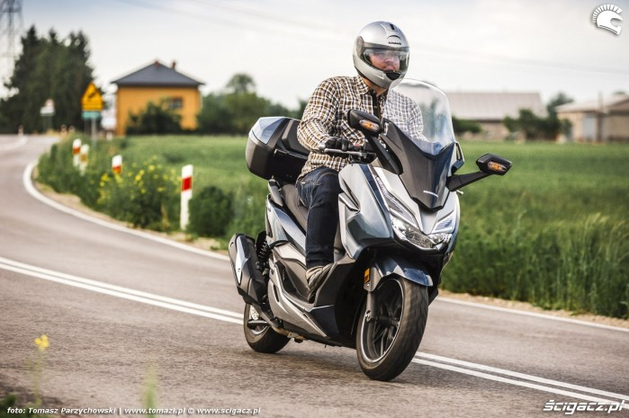 Honda Forza 300i 03
