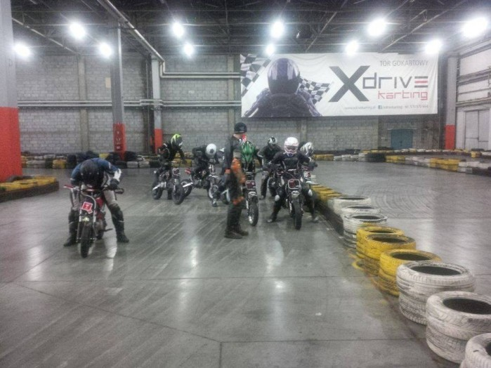 Dzieciaki na motocyklach 04