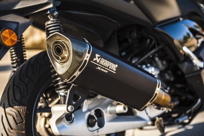 Yamaha Xmax 125 Iron akrap