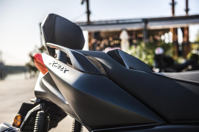 Yamaha Xmax 125 Iron bok