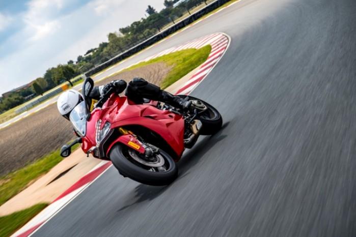 Pirelli Diablo Rosso Corsa II 05