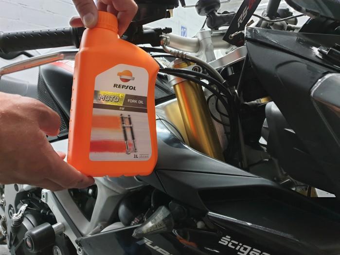 Scigacz test repsol olej smar plyn hamulcowy zawieszenie Marquez 64