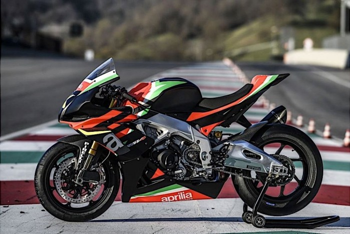 aprilia rsv4 x ready for delivery only 10 people in the world to get them 1