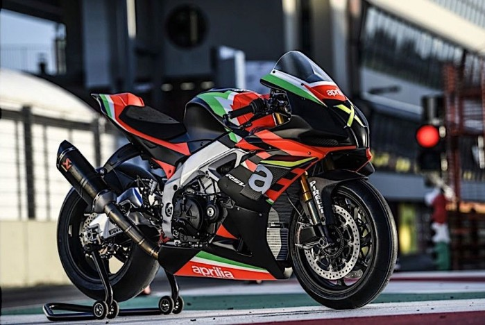 aprilia rsv4 x ready for delivery only 10 people in the world to get them 3