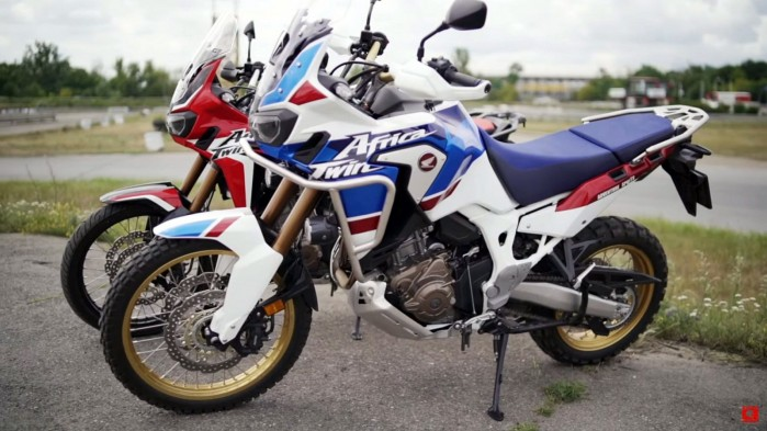 Honda Africa Twin vs Honda Africa Twin Adventure Sports na torze rallycross 2