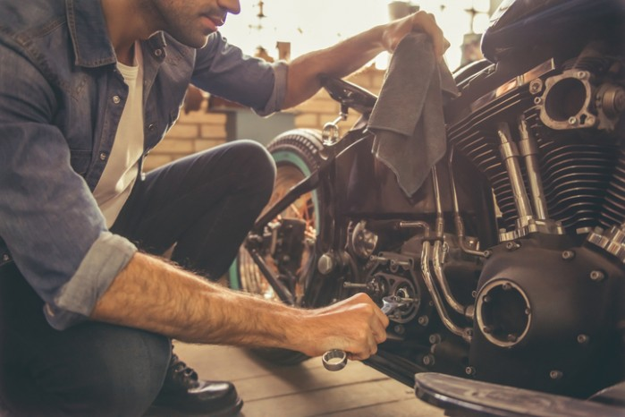 naprawa motocykla mechanik
